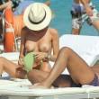 """Silvia Abbate, topless per l'ex de """"la pupa e il secchione"""" 18"""