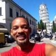 Will Smith, selfie con la Torre di Pisa e foto panoramica di Firenze02