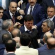 Rissa al Parlamento turco: 3 feriti FOTO-VIDEO