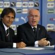 Antonio Conte nuovo ct dell'Italia: le foto della firma 02