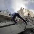 Gaza, il crollo del palazzo di 12 piani abbattuto dai missili israeliani10
