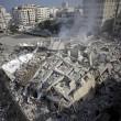 Gaza, il crollo del palazzo di 12 piani abbattuto dai missili israeliani06