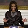 """Michelle Obama: """"Le donne sono più intelligenti degli uomini"""""""