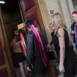 Femen multate per aver suonato le campane di Notre Dame a seno nudo09