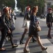 Femen multate per aver suonato le campane di Notre Dame a seno nudo03