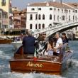 George Clooney e Amal Alamuddin sul Canal Grande di Venezia04