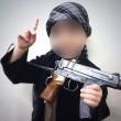 Isis: neonato tra pistole, granate e kalashnikov 3