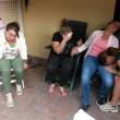 Napoli, ignora l'alt. Carabiniere uccide 17enne. Folla distrugge auto polizia