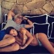 Elisabetta Gregoraci senza mutande: costume scivola, lato b a nudo 2