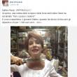 """Alda D'Eusanio, su Facebook col coltello alla gola: """"Renzi, vaffanculo"""""""