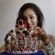 """La miss birmana accusata in Corea: """"Ha rubato corona da 100mila dollari"""""""