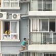 Cina, si nasconde sotto al balcone dell'11 piano per non fare i compiti04