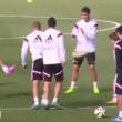 Gareth Bale, che pallonata in faccia a Luka Modric (VIDEO)