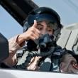 Mariam Al Mansouri, la donna pilota che bombarda quelli dell'Isis03