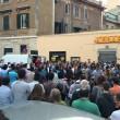 Torpignattara in piazza per Shahzad: doveva essere corteo, è diventato un sit-in