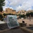 Pigneto-Torpignattara: striscioni per Daniel (l'arrestato), cartelli per Khan (la vittima) FOTO