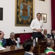 Matteo Renzi contestato all'Ilva di Taranto da operai e ambientalisti