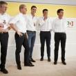 La nuova sinistra europea in camicia bianca sul palco04