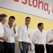 La nuova sinistra europea in camicia bianca sul palco02