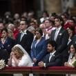 Papa Francesco sposa 20 coppie di Roma, anche conviventi e con figli 06