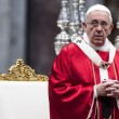 Papa Francesco sposa 20 coppie di Roma, anche conviventi e con figli 04