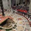 Papa Francesco sposa 20 coppie di Roma, anche conviventi e con figli 01