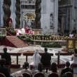 Papa Francesco sposa 20 coppie di Roma, anche conviventi e con figli 10