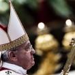 Papa Francesco sposa 20 coppie di Roma, anche conviventi e con figli 08