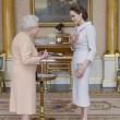 Angelina Jolie riceve titolo Dama di Gran Croce dalla Regina Elisabetta06