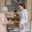 Angelina Jolie riceve titolo Dama di Gran Croce dalla Regina Elisabetta04