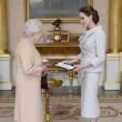 Angelina Jolie riceve titolo Dama di Gran Croce dalla Regina Elisabetta03
