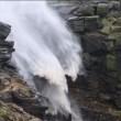 Gb, cascata senz'acqua: venti uragano Gonzalo la spingono indietro VIDEO