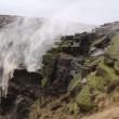 Gb, cascata senz'acqua: venti uragano Gonzalo la spingono indietro VIDEO 2