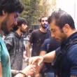 """Genova, il poliziotto all'angelo del fango: """"Mantieni le distanze o ti arresto"""" 04"""