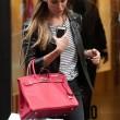 Belen Rodriguez, shopping da Moschino a Milano02