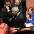 M5S, barricate in Senato e monetine sul governo. Voto a rischio slittamento13