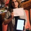 M5S, barricate in Senato e monetine sul governo. Voto a rischio slittamento17