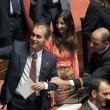 M5S, barricate in Senato e monetine sul governo. Voto a rischio slittamento18