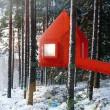Svezia, Tree Hotel: dormire nel nido di uccello, nel cono blu, nella cabina02