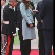 Kate Middleton incita al quarto mese, in Galles con William: il pancino cresce FOTO21