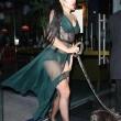 Lady Gaga porta a spasso il cane: il sexy abito velato mostra la lingerie07