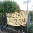 Bologna, Salvini al campo nomadi: tensioni tra leghisti e antagonisti FOTO 5