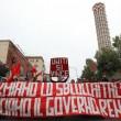 Napoli, scontri davanti Città scienza a Bagnoli: sassi contro polizia01