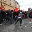 Napoli, scontri davanti Città scienza a Bagnoli: sassi contro polizia13