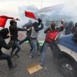 Napoli, scontri davanti Città scienza a Bagnoli: sassi contro polizia15