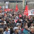 Napoli, scontri davanti Città scienza a Bagnoli: sassi contro polizia02