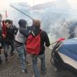 Napoli, scontri davanti Città scienza a Bagnoli: sassi contro polizia20