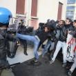 """Renzi a Brescia: """"Disegno per spaccare Italia"""". Fiom in piazza e scontri14"""