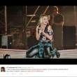 Emma Marrone, look sexy e balli hot al Palalottomatica di Roma08