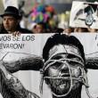 Città del Messico, scontri davanti parlamento per 43 studenti scomparsi011